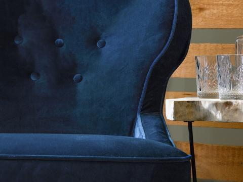 armchair with blue genova knitted velvet